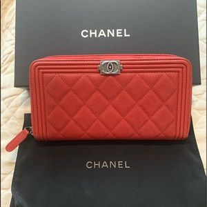 CHANEL Boy Long Zipped Wallet Red Leather EUC